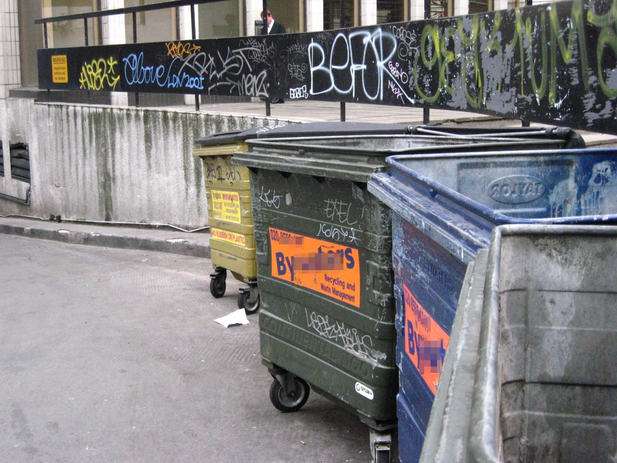 Rubbish bins / trash cans in London
